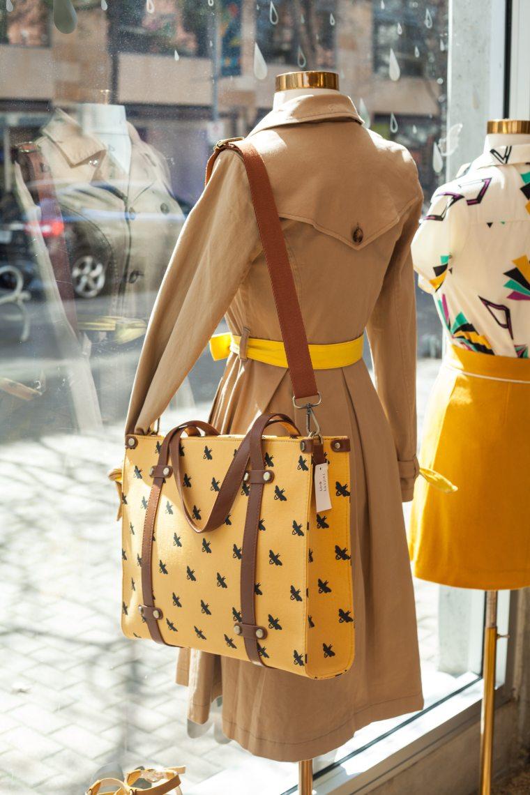 boutique-fashion-leather-bag-2002717